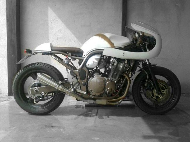 suzuki bandit 600 cafe racers vintage motorcycles. Black Bedroom Furniture Sets. Home Design Ideas