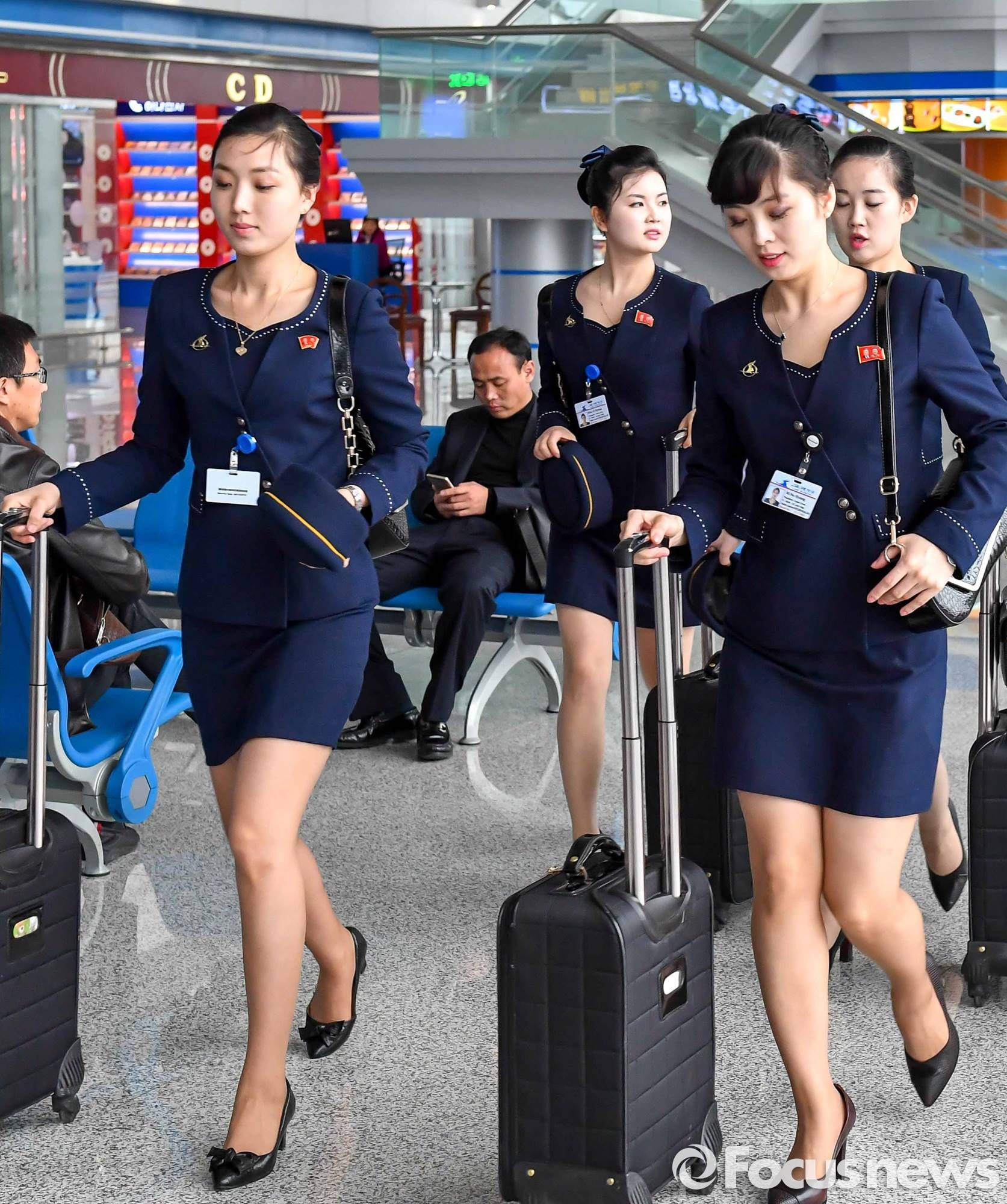Pin by Sir Carloz on Mile High Club in 2019 | Flight attendant, Airline flights, Cabin ...