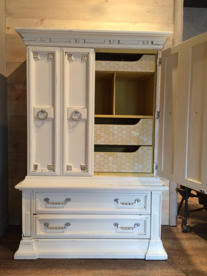 Lovely Painting Cabinets with Chalk Paint