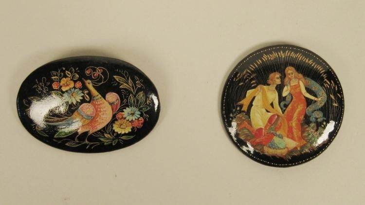 2 Russian lacquer brooches