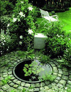Estanques en el jardn Small garden ponds White gardens and