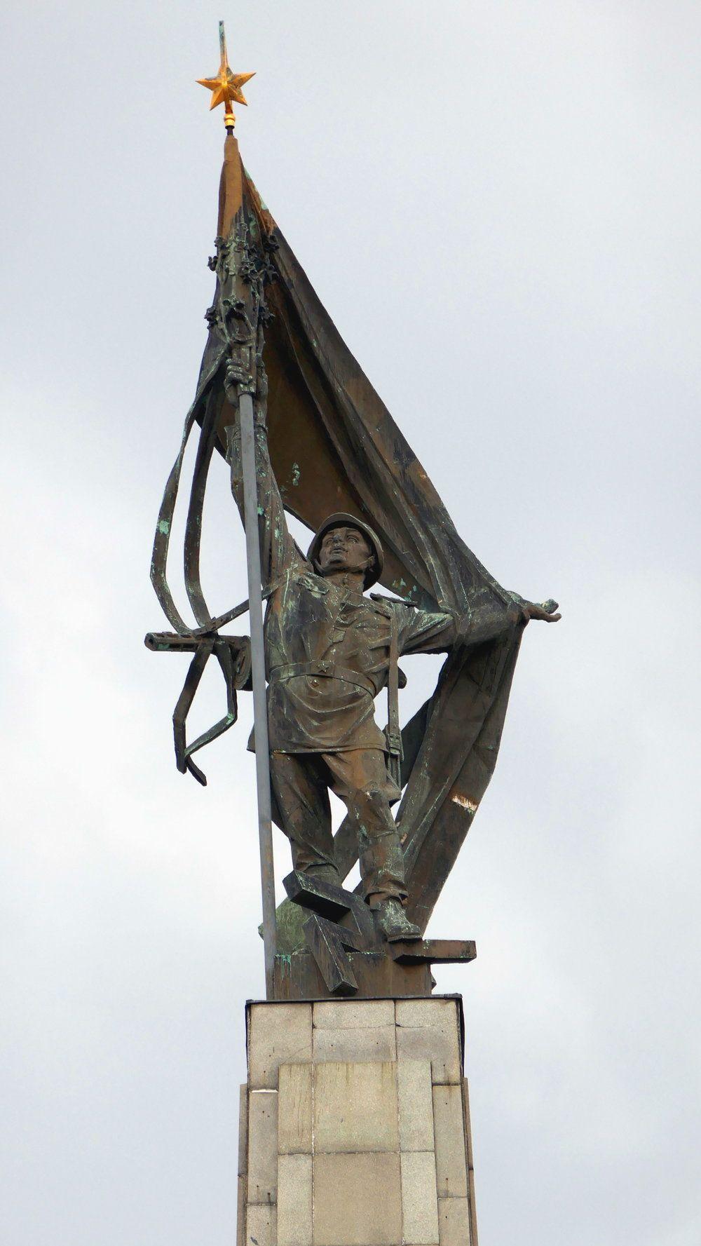 The Victorious Soldier Sculpture By Alexander Trizuljak Slavin