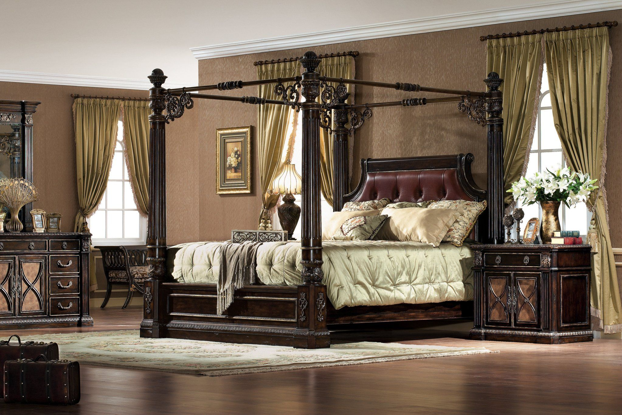 Antique Chestnut Carved King Size Canopy Bed W Leather In Home Garden Furniture Beds Mattresses