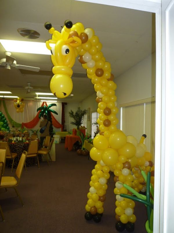 Party tropical themed decoration with balloons palm tree for Baby shower tree decoration