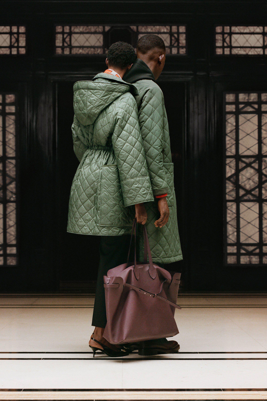 Burberry Resort 2019 Fashion Show | Мода, Верхняя одежда ...
