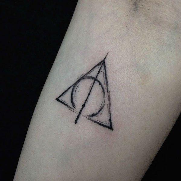 subtle minimalist harry potter tattoos 45 58528cd937cb7  700 Awesome minimalist tattoos from true Harry Potter aficionados (24 Photos)