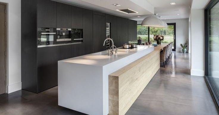 Cuisine design blanche et bois avec îlot Voici une cuisine trouvée