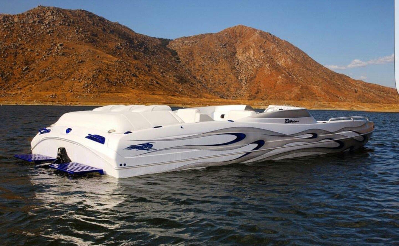 Ultra Deck Boat