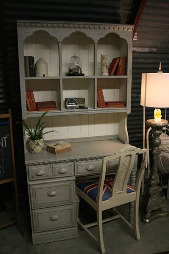 Reloved Rubbish Grey And White Desk With Hutch