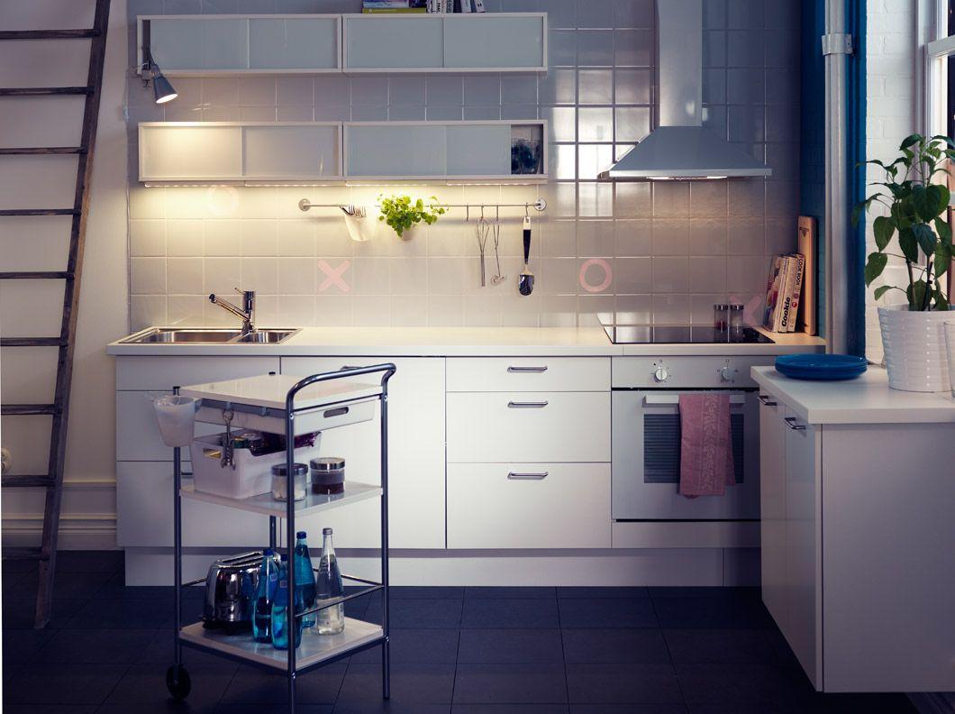 Cucina faktum con ante frontali cassetto h rlig bianchi - Ikea piatti cucina ...
