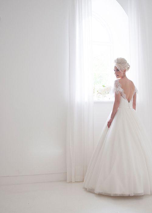 7661ba15b023 свадебные платья короткие - Поиск в Google   Платье,кольца и жених ...