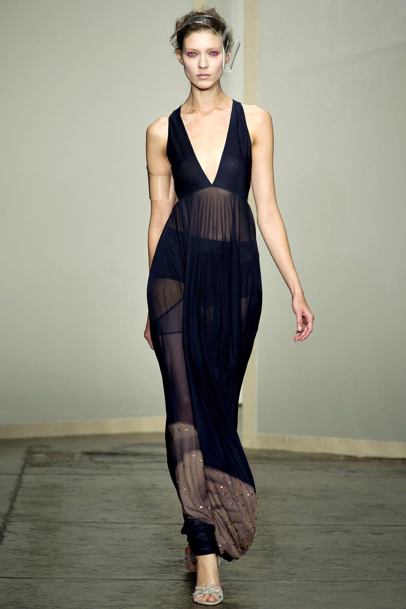 Donna Karan Spring 2013 Ready-to-Wear Fashion Show - Vanessa Axente