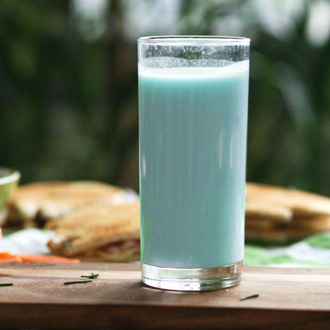 Blaue Milch