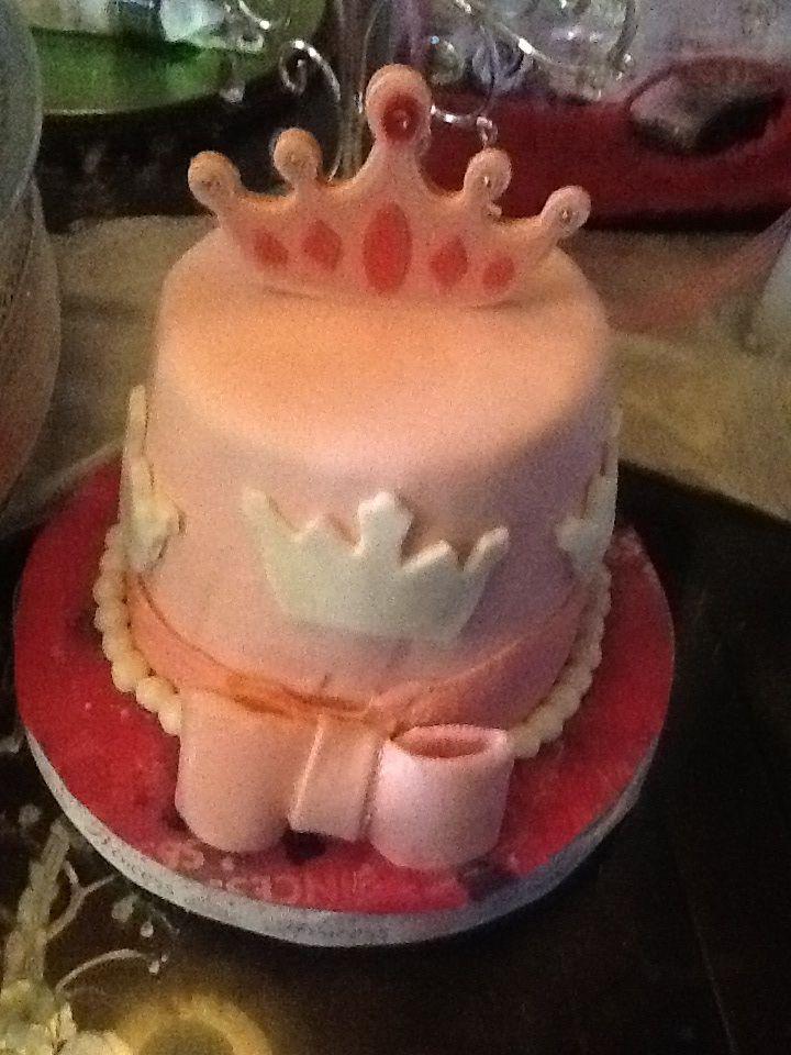 Added white crown fondant around strawberry cake