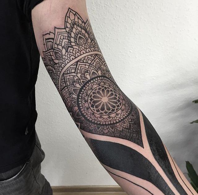 tattoo by piotr szot henna tattoos pinterest tattoo ideen geometrische t towierungen und. Black Bedroom Furniture Sets. Home Design Ideas