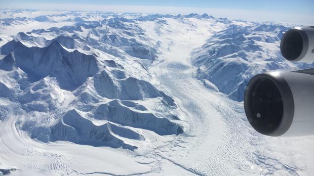 Norwegian plans South Pole routes Norwegian air