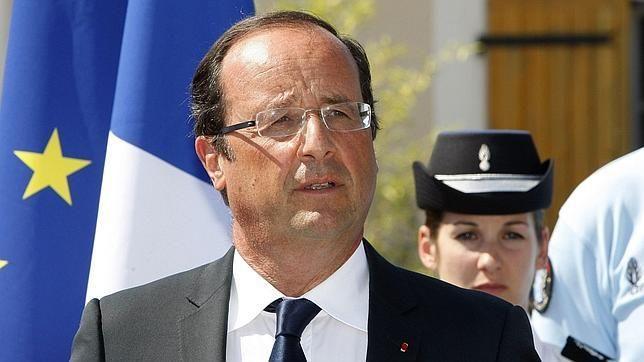 Crece el desencanto de la izquierda francesa con Hollande.  El presidente francés es comparado con Zapatero y otros líderes socialdemócratas «que condujeron al desastre a Grecia, España y Portugal»