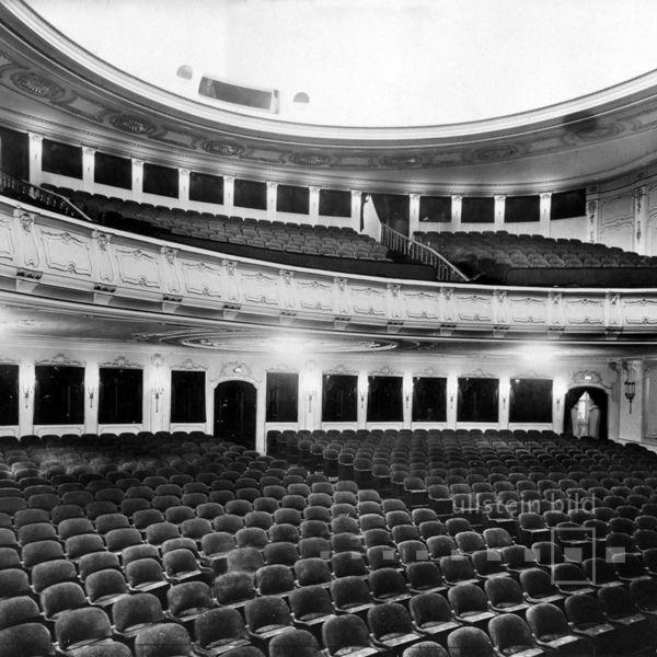 Gloria Palast Am Kurfurstendamm In Berlin Grosser Saal 1926 Berlin Palast Berlin Stadt