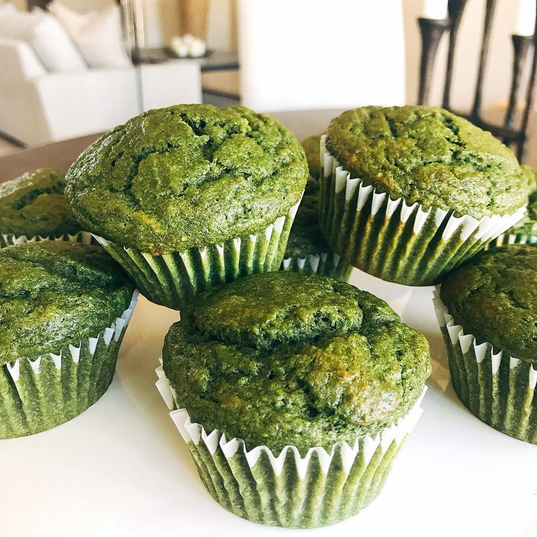 """Em Sederis on Instagram: """"Supper healthy and yummy """"spinach muffins"""" with banana and carrot...มัฟฟินผักขม #stayhome #cookingathome #eatrealfood #spinach #muffins"""""""