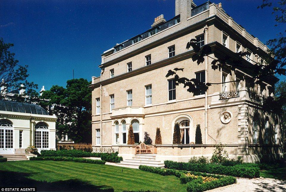 7512faeecb2fa675a4b180efe54d9327 - Kensington Palace Gardens London Real Estate