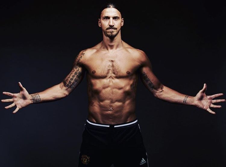 Zlatan Natural Born Animal Zlatan Today Zlatan Ibrahimovic Photoshooting Bodys