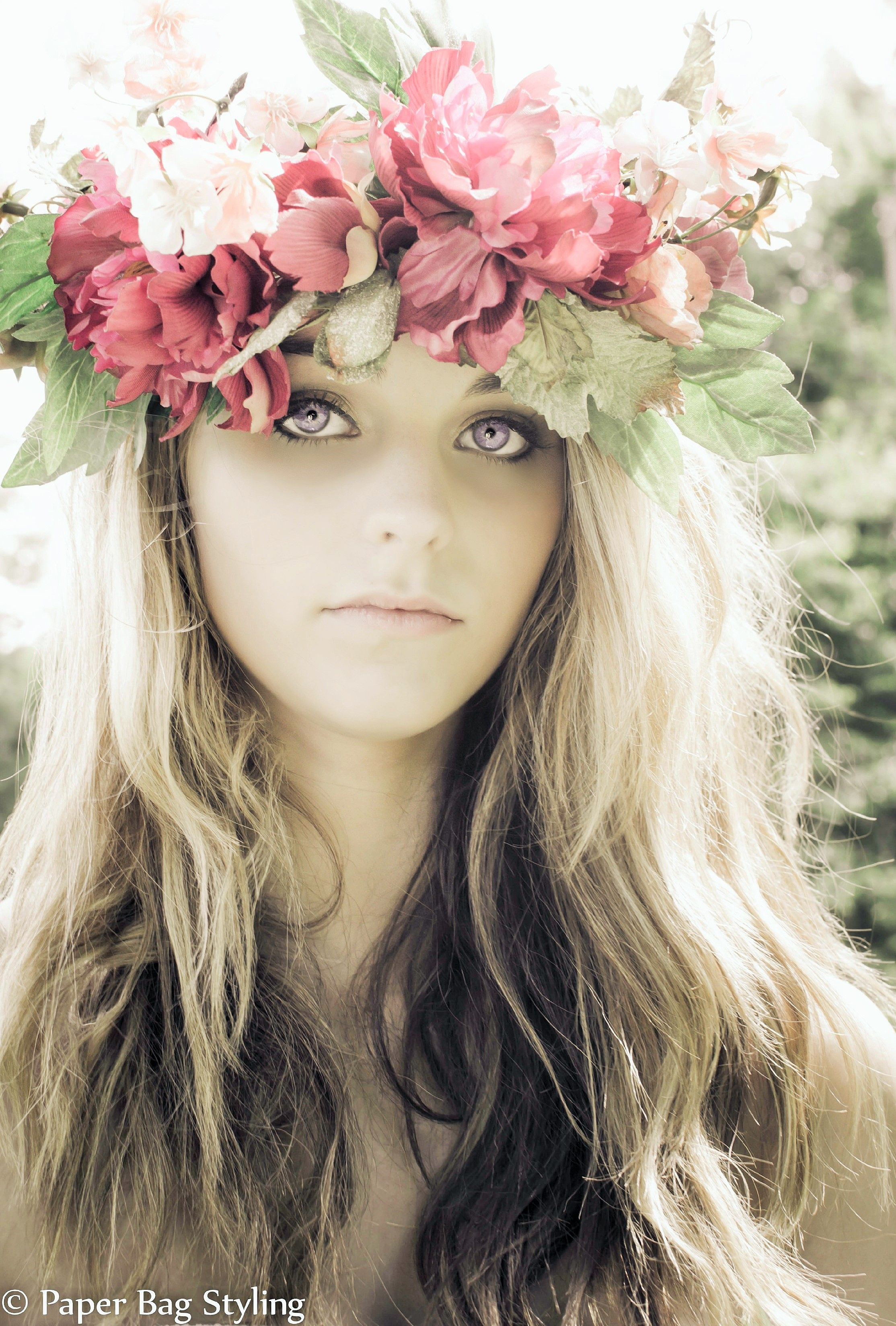 Portrait Photography Model Poses Flower Crown Photography Poses