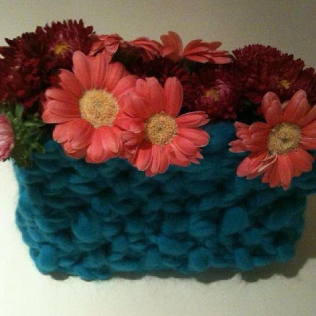 Hommade knitted vase cover