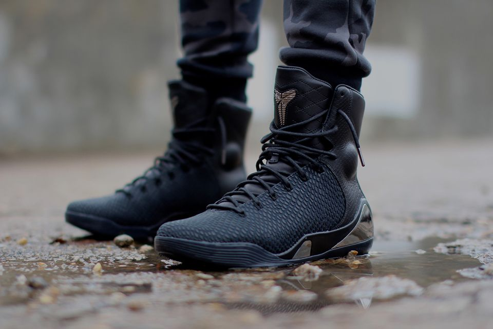 san francisco e0281 041d9 Nike Kobe 9 KRM EXT Black Mamba Not the biggest Kobe fan, but these shoes  are sick! Wear these with some black joggers, and you could be mistaken for  the ...