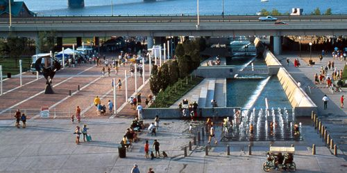 Festival Plaza & Water Feature - louisville waterfront park - hargreaves
