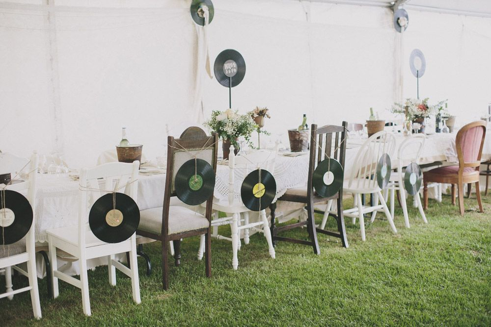 Vinyl record wedding decor who doesn 39 t want to be a for Vinyl record decoration ideas