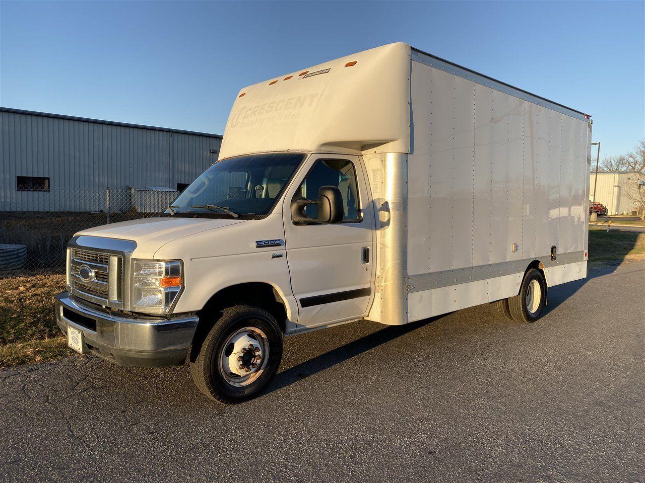 2013 Ford E450 Super Duty Dually Heavy Duty Box Truck