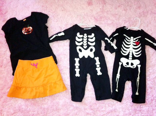 halloween outfits for twin boys and big sister black t-shirt with - twin boy halloween costume ideas