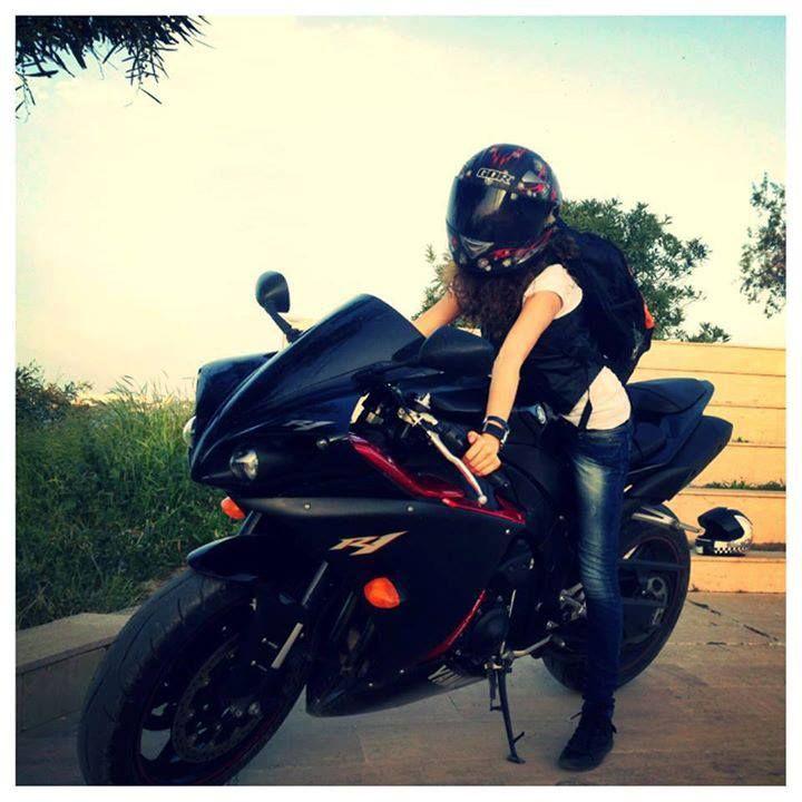 Yamaha R1 Y R6 Girl Motos Y Autos 自転車