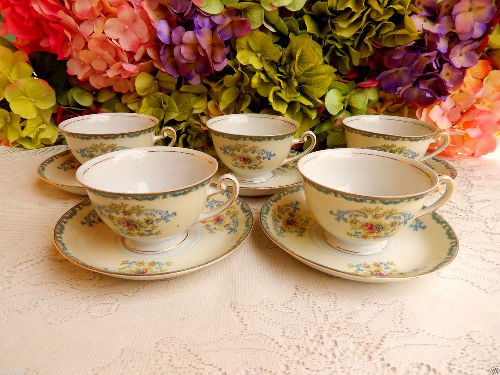5 Beautiful Vintage Empress China Japan Cups & Saucers Roses Blue Scrolls Gold #EmpressChina