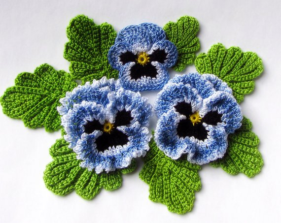 Irish Crochet Flower PATTERN PDF, Realistic Pansy Tutorial for Bouquet, Applique or Brooch. Skill Level: Experienced