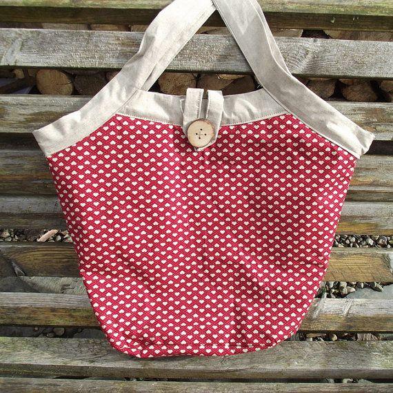 Reversible fabric bag. Project bag. Heart bag. £15,00, via Etsy.