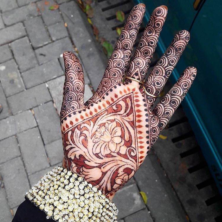Mature Stain Of Henna And Jagua Juice And Henna Mix Good Paste And