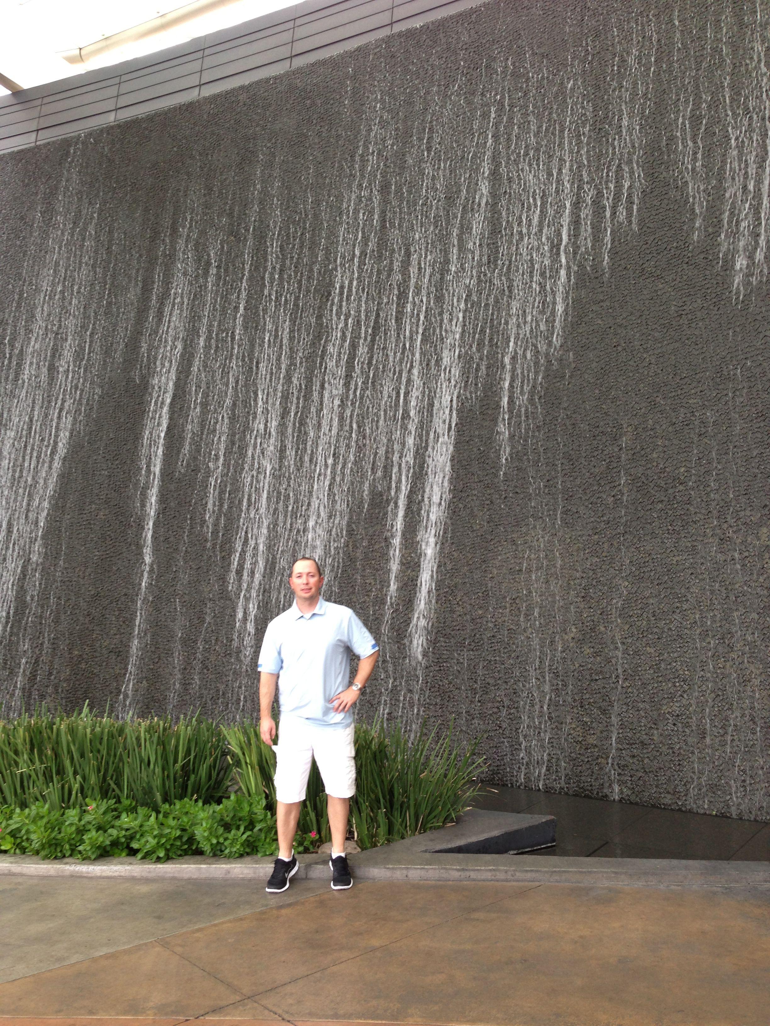 Pinterest & Aria water wall | Water | Water walls Garden landscaping ...