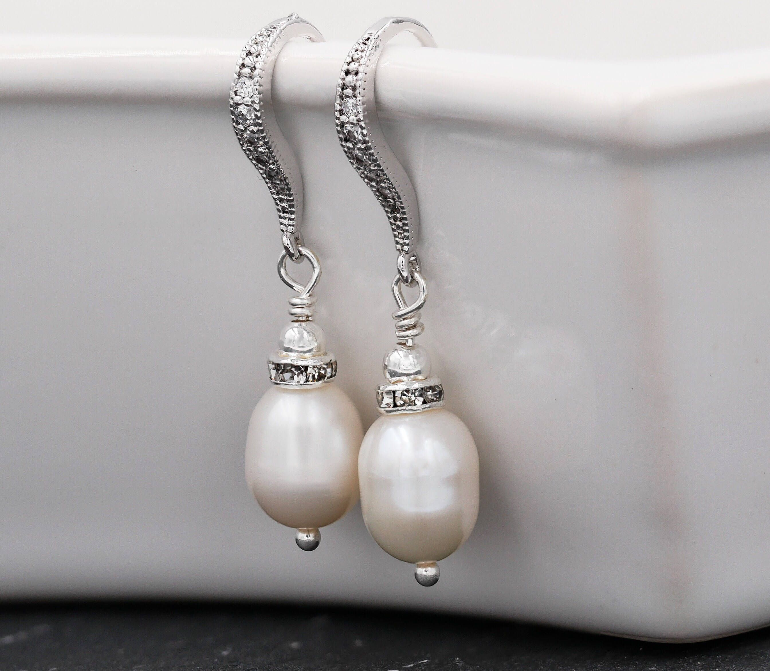 simple and cute pearl earrings girls for real product