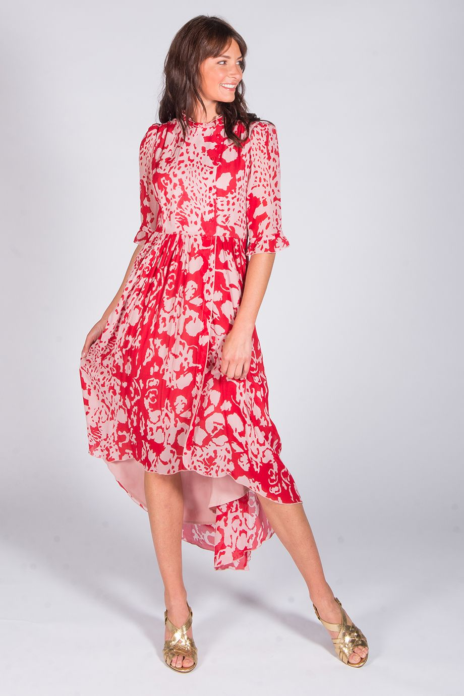 Robe Asymetrique Imprimee Rouge Et Rose Baleares Ba Sh Robe Asymetrique Robes Sans Manche Robe Manche Longue