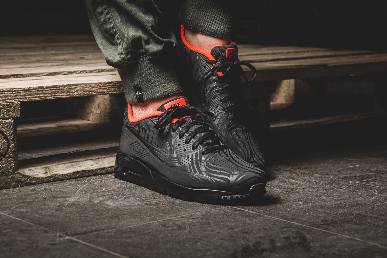 Nike Air Max 90 Ultra Moire FB Schwarz Rot Mens Trainers