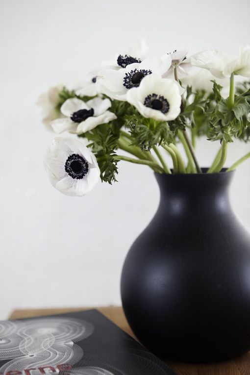 Nordic Bliss Scandinavian Style For Your Home Black Vase White Flowers Bunch Of Flowers