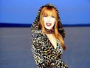 Shania Twain That Don T Impress Me Much Shania Twain Celebs Country Music