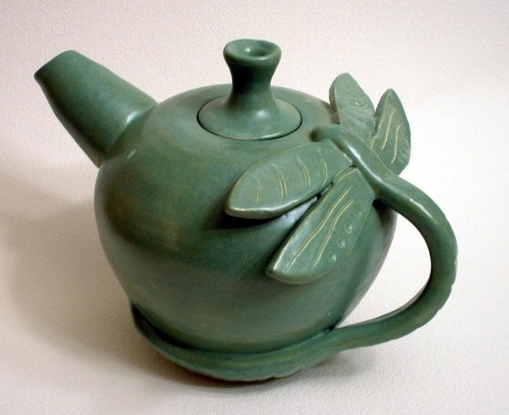 Green Dragonfly Tea Pot  More Amazing Food & Drink Things: http://www.damniwantit.net/category/food-and-drink/