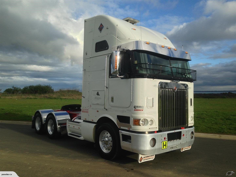 2014 International 9800i Big rig trucks, Navistar