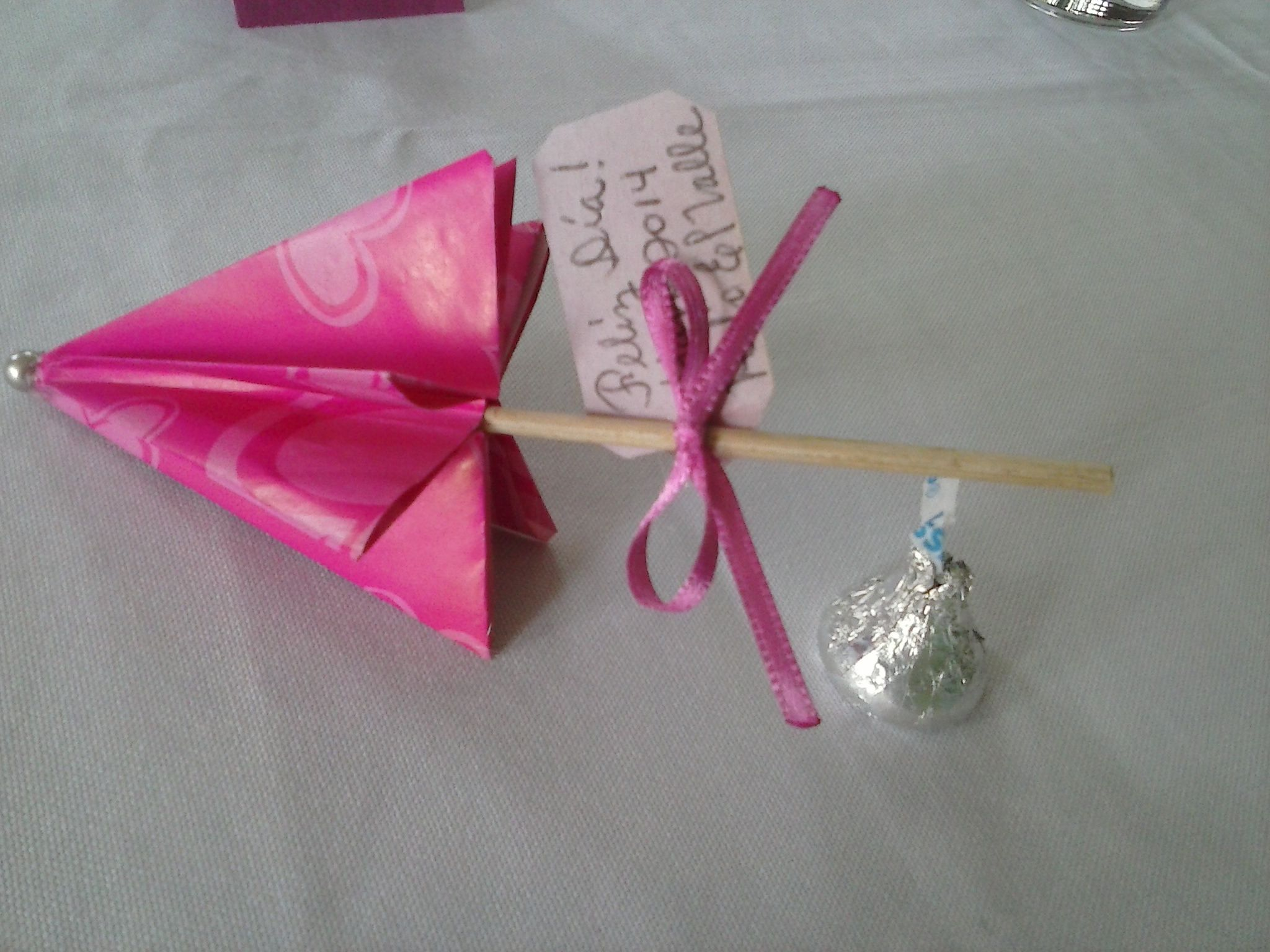 Sombrilla de papel para recordatorio recuerdos - Manualidades de papel reciclado ...