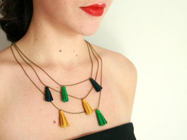 Colliers, Collier LOU | pompons en cuirs vert, bleu et jaune est une création orginale de c-est-bien-fait-pour-L sur DaWanda