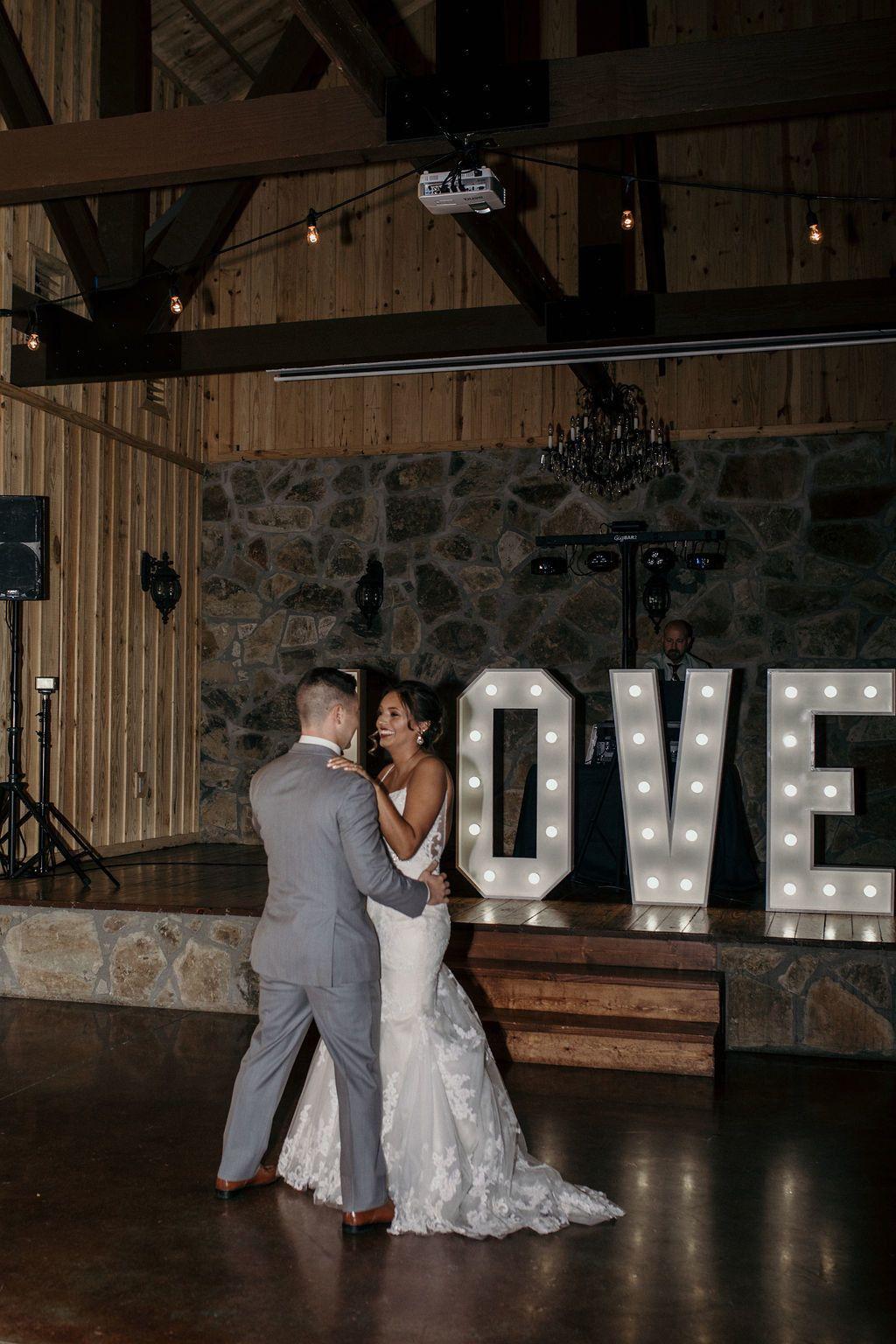 Tarp Chapel Tulsa Wedding And Event Venue Bed And Breakfast Tulsa Wedding Venues Oklahoma Wedding Venues Glass Chapel