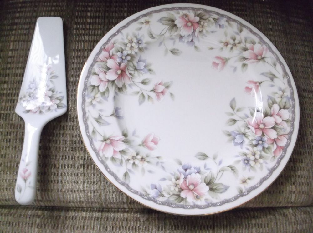 Vintage Andrea by Sadek Porcelain 10.75\  Floral Cake Plate With Matching Server : andrea by sadek cake plate - pezcame.com