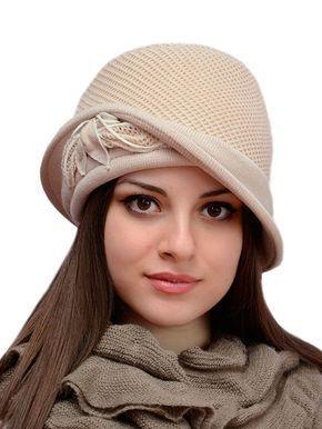 Вязаные шапки | Вязаные шапки, Модели, Прически под шляпу